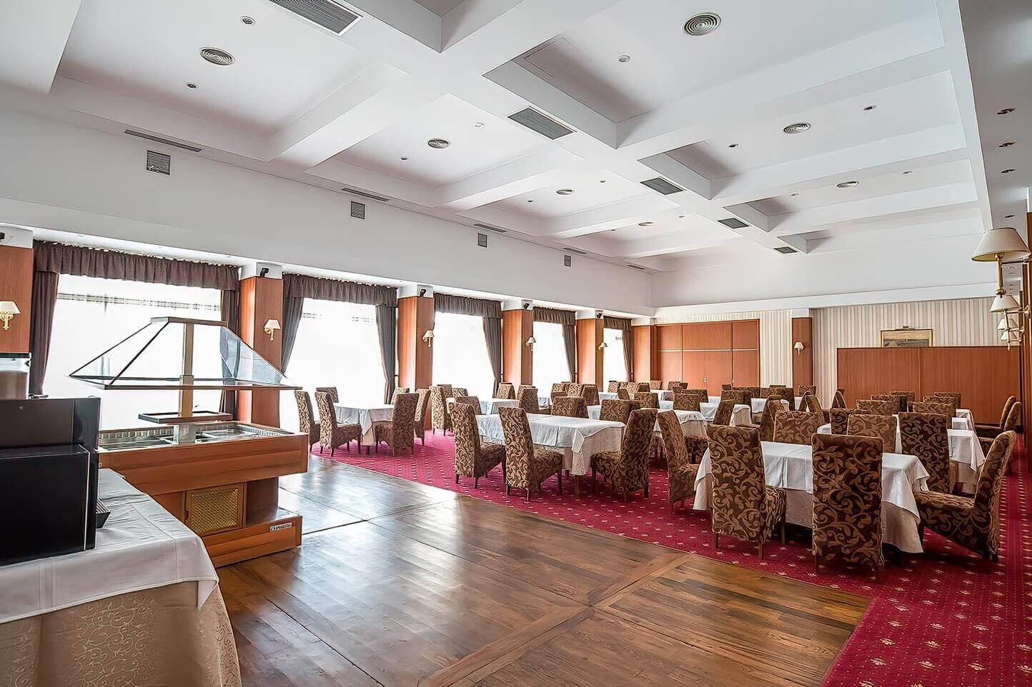 Interior, restaurant, Mediterraneo